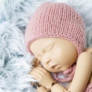 Różowa klasyczna czapeczka bonetka dla noworodka